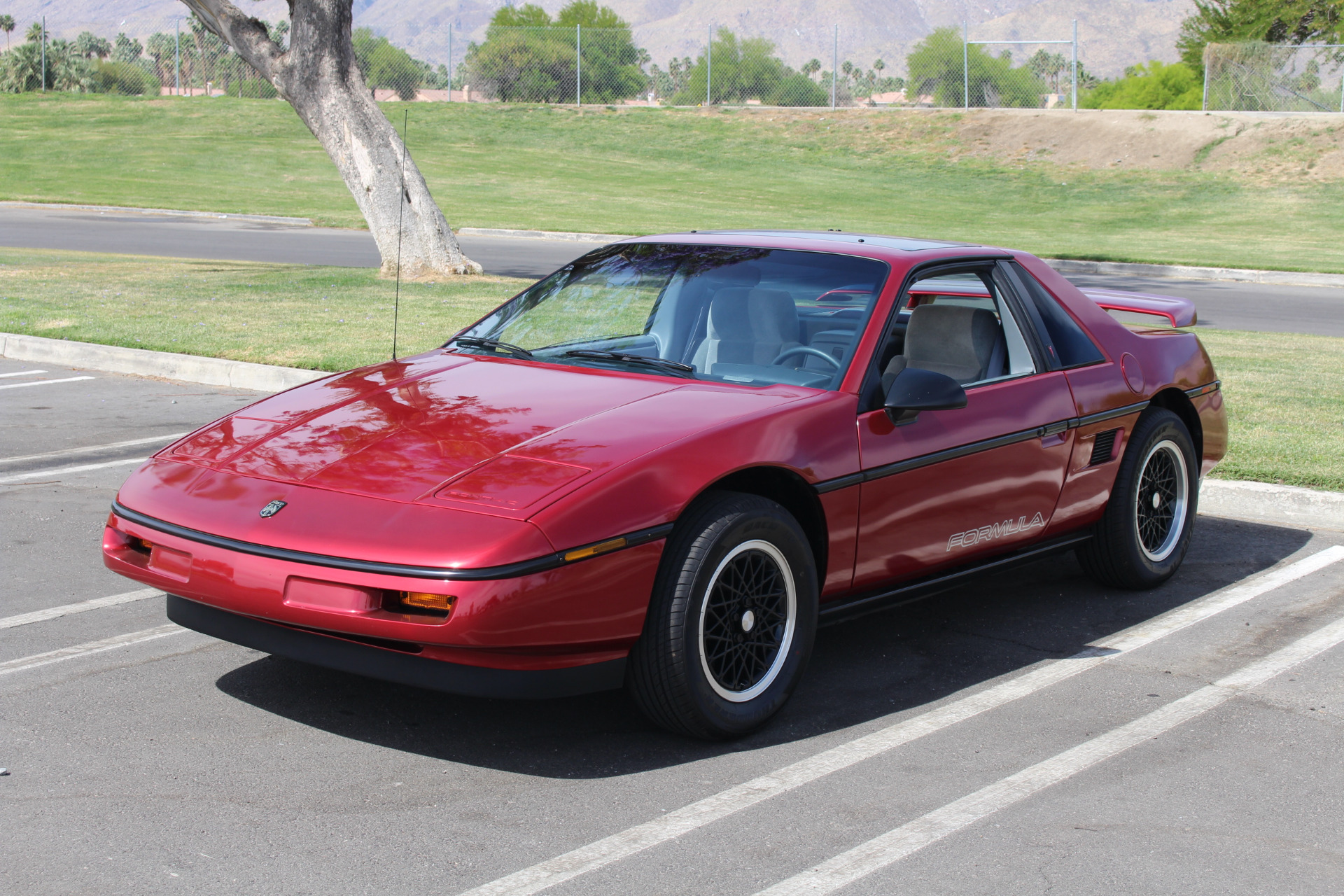 Used-1988-Pontiac-Fiero-Formula-FIVE-SPEED