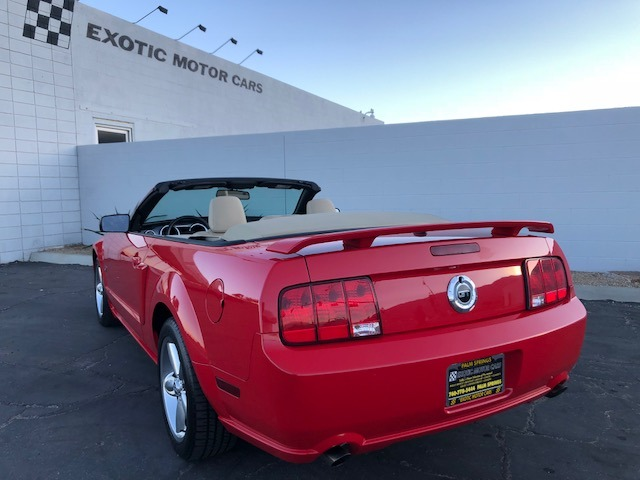 Used-2007-Ford-Mustang-GT-Deluxe