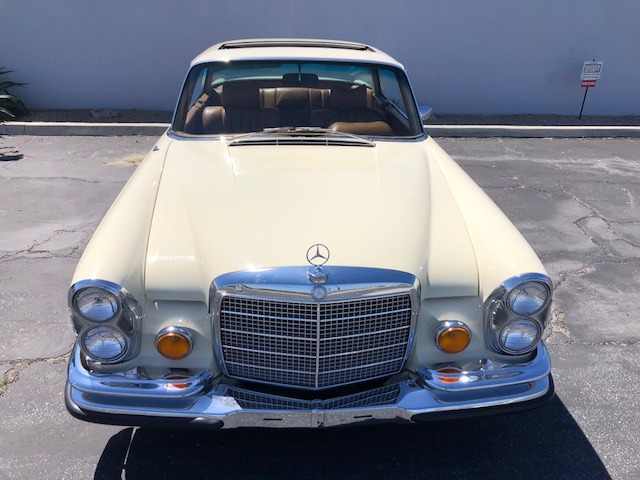 Used-1971-Mercedes-Benz-280-SE-35-V8